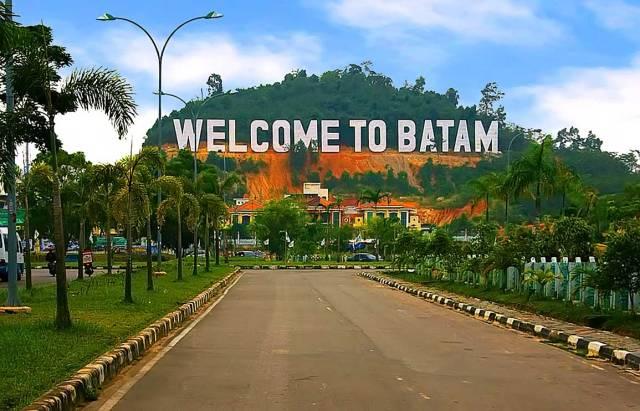 Paket Tour Padang – Batam – Singapore – Malaysia